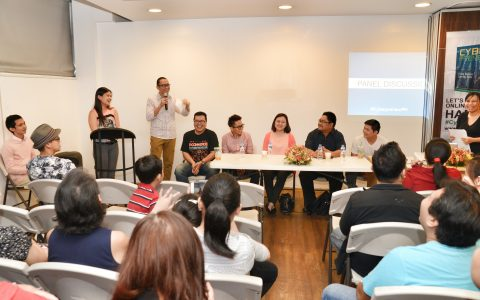 Fitz Villafuerte, Paolo Lising, Celine Francisco, Bryden Elizan, and RM Nisperos shared their lessons and experiences as cyberpreneurs.