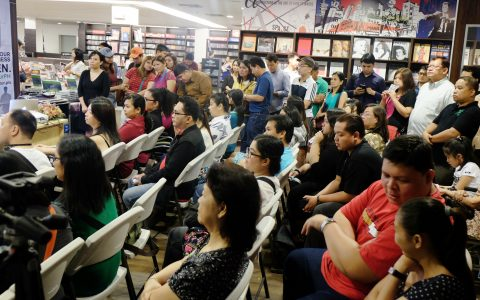 Full house at Fully booked! Awesome!